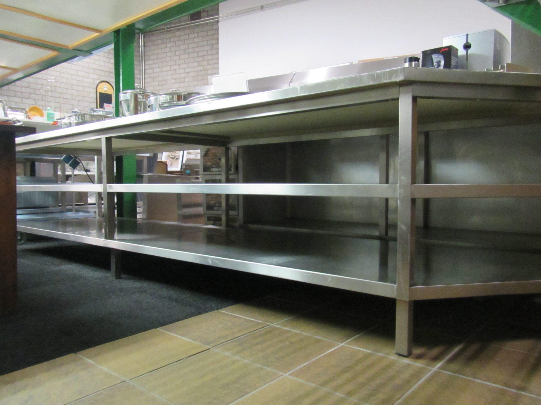 Werktafel RVS met bodem en tussenschap